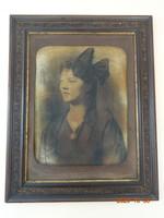 Régi, antik, falra akasztható fotó, falikép, női portré keretben (1920 körül)