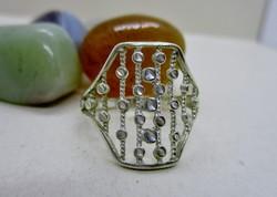 Szép iparművész gyémánt metszett  ezüstgyűrű 65-ös méret