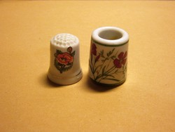 Virág mintás porcelán gyűszű és német mini váza