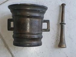 Antik bronz mozsár törővel