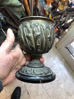 Bronz kupa, 17 cm magas, dísztárgy, lakberendezéshez.