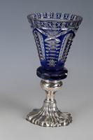 Ezüst talpú kék kristály váza