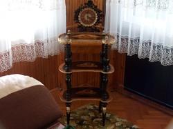 Antik intarziás etazser, aranyozott szegéllyel díszítve, remek darab