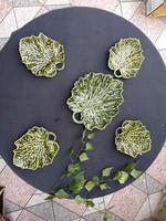 Hihetetlen mutatós Schütz Blansko Szecessziós levelek, Majolika, 1 nagy tál 4 kisebb, kínáló kerámia