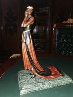 Nemes hölgy - Art deco bronz szobor