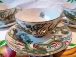 Kínai  sárkány mintás teás csésze, aljjal. Kézzel festett, jelzett, kis kopásokkal. (3db)
