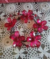 Gyertyagyűrű piros virágos gyöngyből, ajánljon!