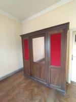 Tükrös háromajtós ónémet vörös kárpitozott akasztós polcos három ajtós zárható 3ajtós ruhásszekrény