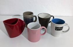 Színes bögrék, csésze, pohár