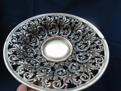Ezüst? vagy ezüstözött antik cca 1880 évekből  származó asztal közép kínáló