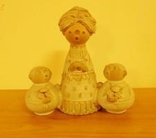 Anya gyermekeivel kerámia figura Szilágyi Mária