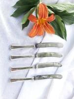 4 db ezüst kés Dianas jelzéssel