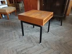 Régi retro fémvázas telefonasztal mid century kis asztal virágtartó konzolasztal