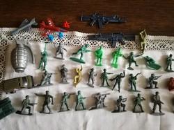 Műanyag tarafikárú, katonák, háborús