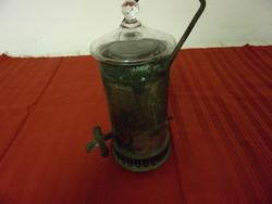 Régi szamovár üvegtetővel