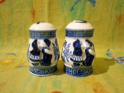 F_023 Aranyos Holland porcelán puszilkodó gyerekkel asztali fűszer szórók (só, bors, paprika szóró)
