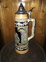 Dbgm német cinkfedeles kerámia korsó nagy méretű söröskorsó szőlő motívumokkal