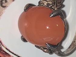 Különleges fazonu ezust gyűrű gyönyörű kővel eladó!Ara:5000.-