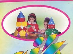 Térbeli geometriai modellező készségfejlesztő kézügyesség fejlesztő építő játék