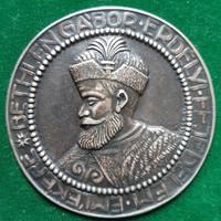 Kiss Ferenc: Bethlen Gábor, ezüst plakett, dombormű