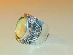 Opál fényű Tibeti ezüst kézműves Uniszex Gyűrű 8.5-es