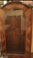 Gyönyörű antik barokk kőzép barna  vitrin