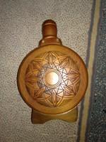 Iparművész termék, fa burkolatú kulacs égetett mintával hungarian art wine container