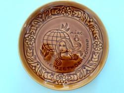 Régi Gránit falidísz Nemzetközi Nőnap feliratos tányér dísztányér