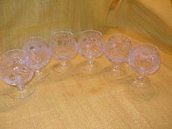 Csiszolt üveg likőrös pohárka 6 db.