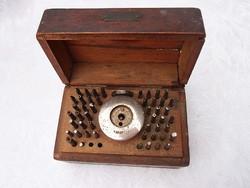 Antik órás szerszámok