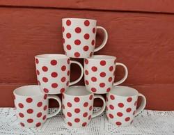 Gyönyörű fehér  alapon piros  pettyes, pöttyös bögre csomag,  3 dl-es bögrék, falusi tárgy