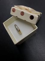 Modern arany gyűrű