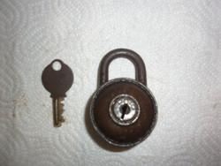 Régi lakat kulcsal 7cm
