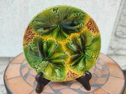 Majolika tànyér, szecessziós, Joseph Steindl Znaim tányér.Levél tavaszi hangulat,gyüjteménybe,levél