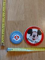 Mickey Mouse kitűző, és reklámtükör