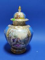 Porcelán urnaváza, Francia