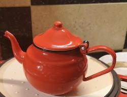 Zománcos régi vintage vas teáskanna, piros zománcozott kicsi kanna.Mérete:13 cm magas.Személyes átad
