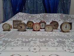 Tíz darab régi csörgőóra, vekker - javításra, alkatrésznek - Ruhla, Vityaz, Sevani, Meister, Anker,.