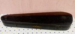 Antik koporsó alakú hegedűtok ritka fából készült darab. Hangszer gyűjteménybe való.