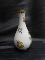 Herendi, viktóriás, pillangó motívumos, kis váza.Jelzett. Sérült.