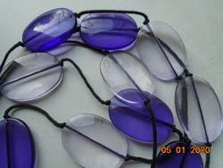 Sötétebb és világos lila lapos nagy gyöngyökből 2 soros nyaklánc