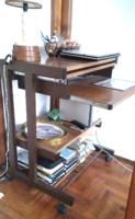 Retro számítógép asztal , PC asztal, kihúzható, görgő lábakon