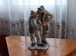 Hibátlan bisquit porcelán szobor: Ivócimborák