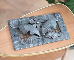 Kovácsoltvas szellőzőrács florális mintával - gyönyörű, kidolgozott darab - kandallóra, kályhára