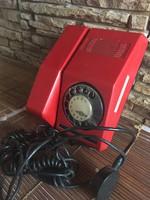Piros tárcsás telefon