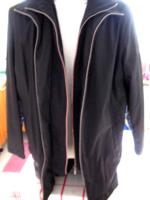 Downstairs fekete kabát