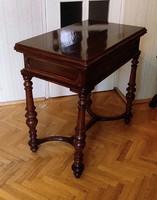 Jàtékasztal,szétnyithatós,különleges neobarokk ,faragott asztal íróasztal összecsukva, posztamens