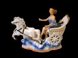 E_027 Régi porcelán 2 lovas hintó női hajtóval Arpo porcelán
