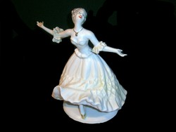 E_003 Wallendorf jellegű nagy méretű nagyon szép táncoló balerina, ritka zöld ruhában Arpo porcelán
