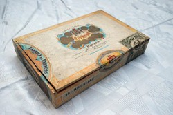 Antik szivar doboz Cuba kubai szivar különlegesség doboza H. Upmann HABANA zárjegy 22,5 cm